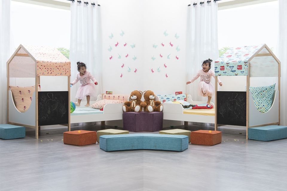 Kids furniture on rent